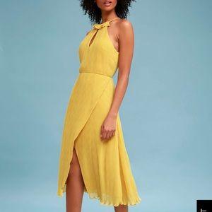 Golden yellow pleated midi dress